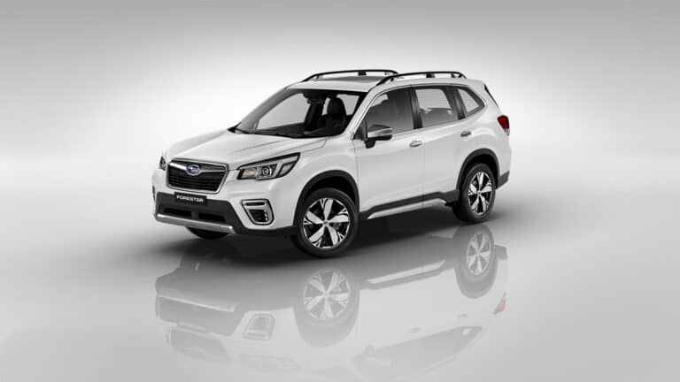 Subaru_Forester_Crystal_White_Pearl